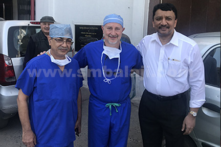 Dr Ghali and Dr Dhirawani giving Dr S M Balaji a warm send off